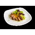 Утиная грудка с персиком и легким салатом