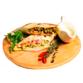Буррито с курицей и сыром сулугуни (330/50 г)