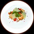 Салат с рулетиками из лосося и креветок