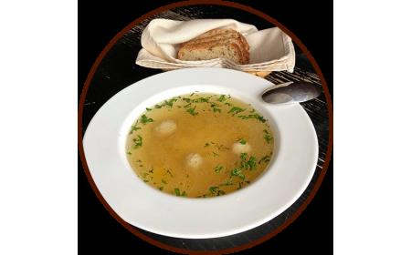 Суп куриный с фрикадельками и домашней лапшой
